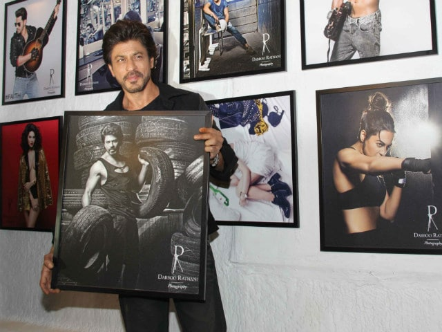 Shah Rukh Khan Was Star Of The Night At Dabboo Ratnani's Calendar Launch Party