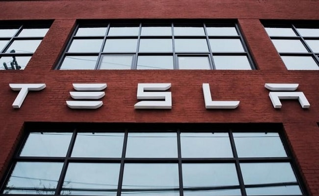 Tesla's market value of $50.887 billion exceeded GM's by about $1 million.