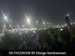 From Torchlight To WhatsApp: At Marina Beach, The Cellphone Is A Powerful Tool