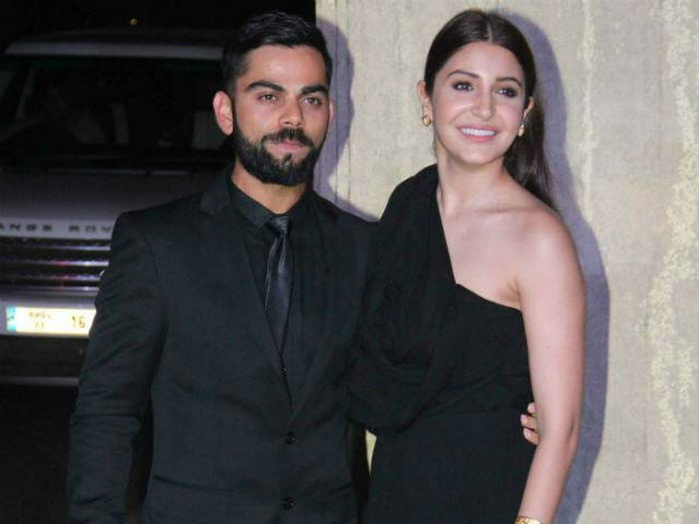 Virat Kholi makes his relationship with Anushka Sharma official!