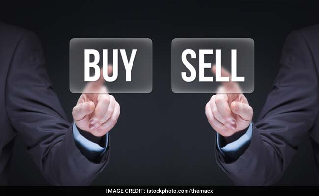 Trading Calls: Buy Jindal Steel, Axis Bank, Petronet LNG, Say Experts