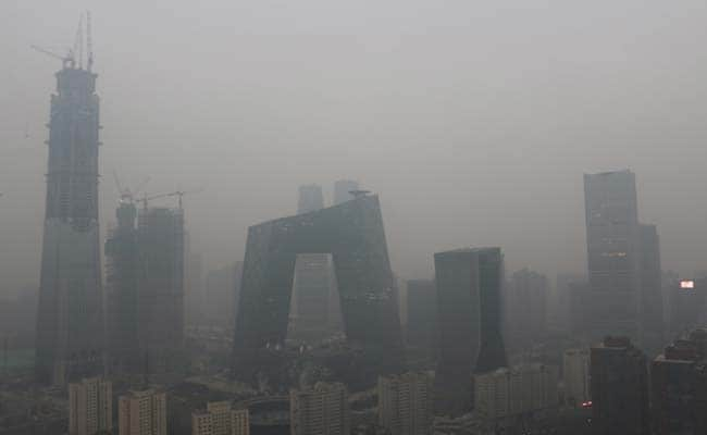 China builds 'world's biggest air purifier' (and it seems to be working)