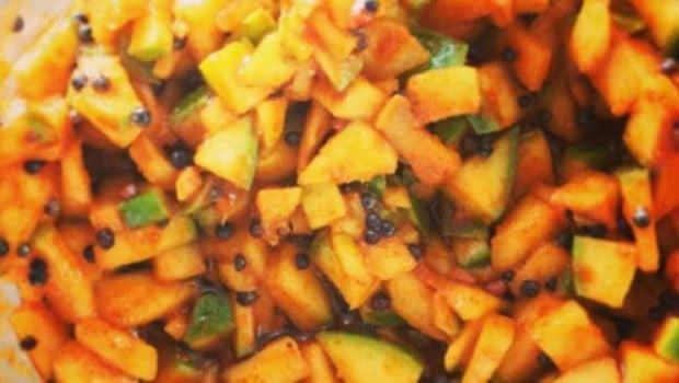 chopped mango pickle
