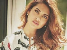 Esha Gupta Always Wanted To Star With Amitabh Bachchan. Now She Will In <i>Aankhen 2</i>