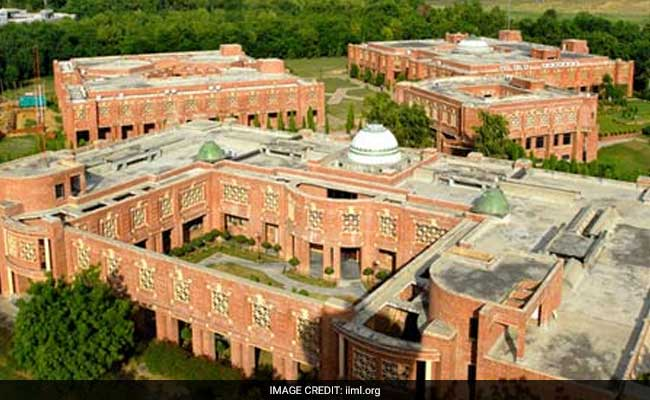 IIM-Lucknow Achieves 100% Placement In 3 Days