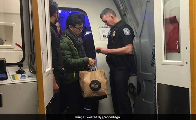 US Agents Search Flight For Undocumented Immigrant, Check Passengers' IDs