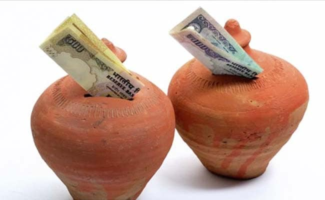 Bajaj Finance Lowers Cap For Fixed Deposits, Offers Higher Returns