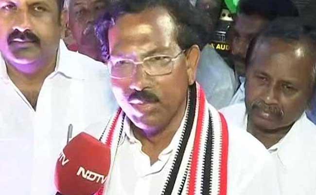 Sasikala's proxy takes over as Tamil Nadu chief minister