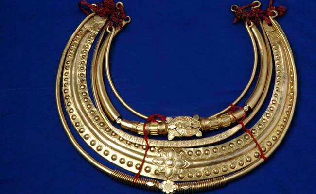 Pure Gold Moustache, Necklace Among KCR's Thanksgiving Gifts For Gods