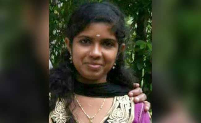 Horrific : Medical student burnt alive by her boy friend
