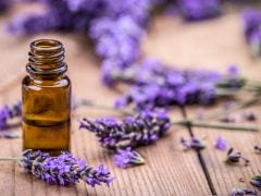 8 Incredible Lavender Oil Benefits for Your Body, Mind and Soul