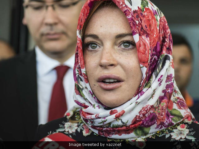 Lindsay Lohan Claims She Was 'Racially Profiled' At Airport For Wearing Headscarf