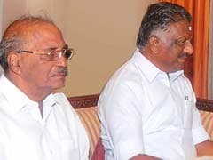 O Panneerselvam Backed By 10 Parliamentarians In Battle Against Sasikala