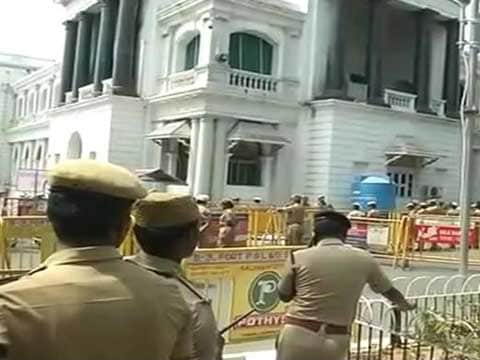 Chaos in Tamil Nadu assembly ahead of trust vote as DMK, Congress back Panneerselvam camp\'s demand for secret ballot