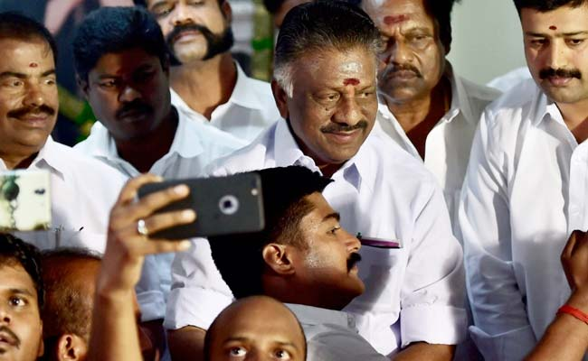 Panneerselvam, Palanisamy to meet TN Governor