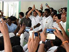 AIADMK No 2 Joins Panneerselvam, Whose Rebel Act Is Getting Bigger