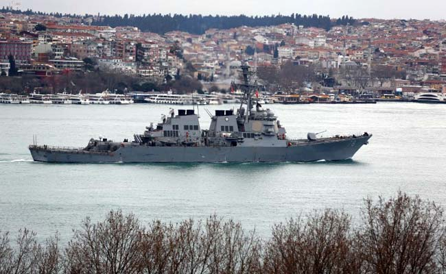 Russian jets in 'unsafe' encounters with destroyer