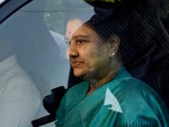 Sasikala Camp Meets Poll Commission, Defends Her Election As AIADMK Chief