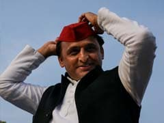 Akhilesh Yadav And Wife Dimple To Campaign For Samajwadi Party In MCD Polls