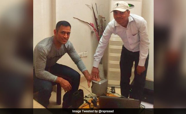 After MS Dhoni's Wife Sakshi Dhoni Tweets To Minister Ravi Shankar Prasad, Aadhaar Agency Blacklisted
