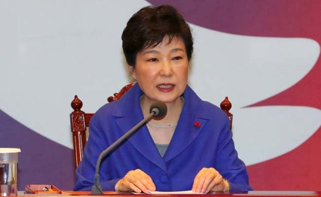 South Korea's Park Geun-Hye Apologises, Promises Cooperation In Graft Probe