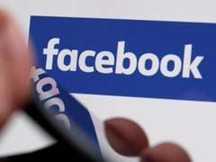 After Chetan Bhagat, Delhi University May Introduce 'Facebook Writing'
