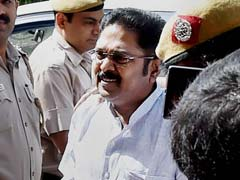 TTV Dinakaran, Aide Granted Bail in Election Commission Bribery Case