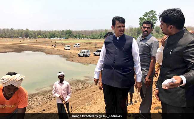 Fadnavis forms ministerial panel to address farmers' issues