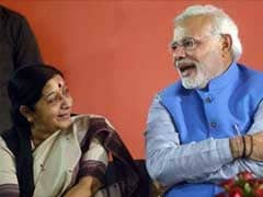 'Even At 2 am, Sushma Swaraj Helps Indians Tweeting,' Praises PM Narendra Modi