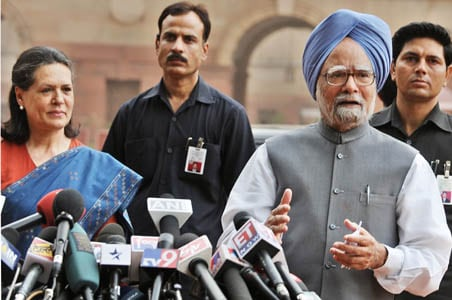 Manmohan gets presidential invite to form govt