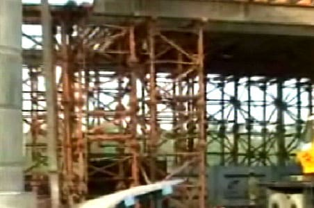 18 piers on 3 Metro corridors develop cracks