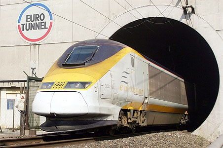 Man killed climbing on roof of London-bound Eurostar train in Paris
