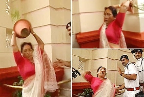 Congress woman's flower pot attack at Bihar Assembly