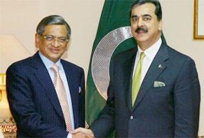 indias neighbourly relations Islamabad: pakistan's new foreign minister khawaja asif said on monday that peace between his country and india can be achieved only through the resolution of the kashmir issue asif, while talking to the media in his hometown of sialkot, said pakistan wants to build good neighbourly relations with india.