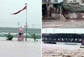 Yamuna Crosses Danger Mark Flood Threat Looms