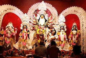 Goddess Durga fights for environment in Kolkata