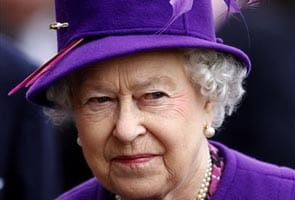 Queen Elizabeth under fire for wearing fur hat