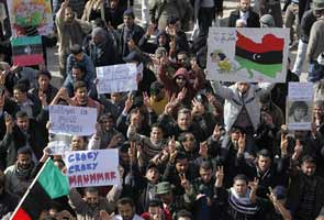 UN debates sanctions on Gaddafi regime