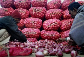 Onion prices crash: India's largest hub shuts down