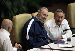 Cuba: Fidel makes way for Raul Castro