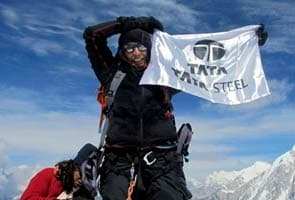 Mother of two becomes oldest Indian woman to climb Mount Everest