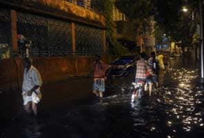 Heavy rain kills one, disrupts normal life in Kolkata