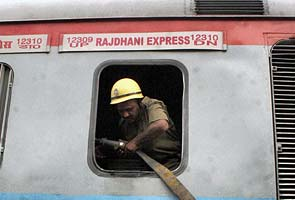 Fire on New Delhi-Patna Rajdhani Express