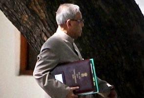 2G note controversy: PM meets Chidambaram, Pranab