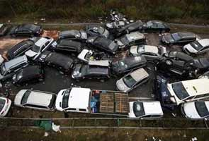 52 Car pile-up on Autobahn kills 3 people