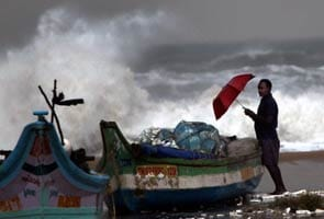 Cyclone 'Thane' to reach Tamil Nadu by early Friday morning