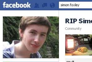 Man kills himself after girl unfriends him on Facebook