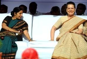 FDI war: Sushma asks Sonia to explain her stand; Dinesh Trivedi skips cabinet meet