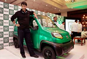 Bajaj RE60: Target audience of rickshaw drivers offer their review