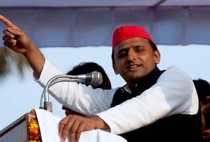 Akhilesh wants metro rails in major UP cities